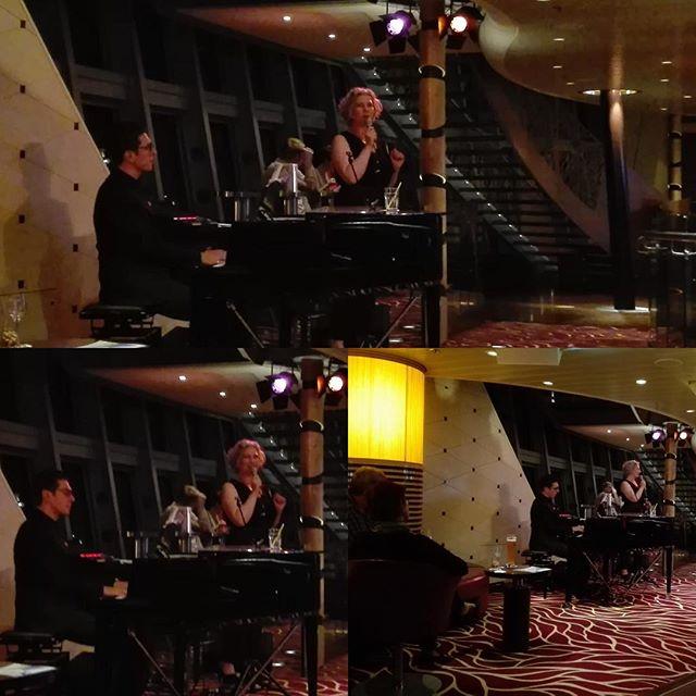 """Chansonabend """"Einer muß es ja machen"""" vor 2 Tagen in Talinn mit unserem Pianisten Teodor Petkov #travellingactress #actressatwork #aidamar #aidamomente #aidastars"""