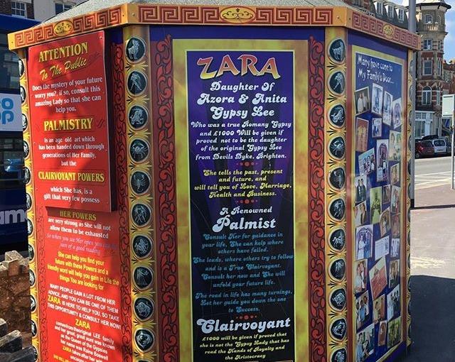 keine Sorge, Zara kennt den Weg!don't worrie, Zara knows your way #wahrsager #clearvoyant #weymouth #aidaselection #travelingactress #aidavita #aidavitamomente