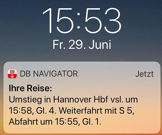 Liebe #deutschebahn! Reise ich mit Euch jetzt rückwärts durch die Zeit? #timetravel #db #actressatwork