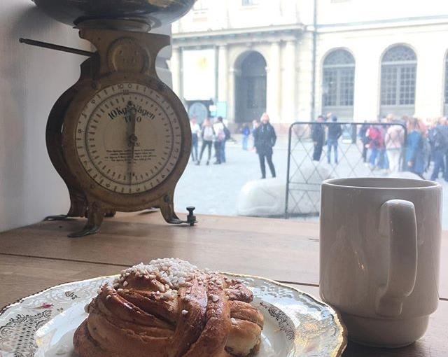 svedish #fika in #stockholm #travellingactress #aida #aidamar #aidamarmomente